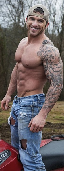 Amazing Muscles Sleeve Tattoos For Men