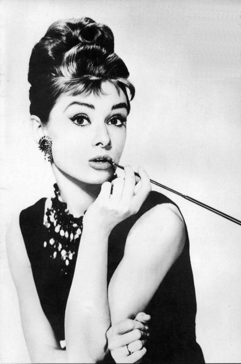 Audrey Hepburn Pin Up Portrait – People Tattoo