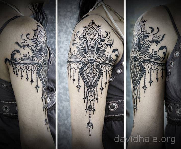 Beautiful Blue Armband Tattoo