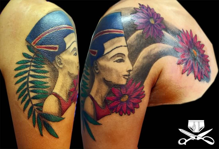 Gorgeous Queens Crown Tattoo On Left Front Shoulder