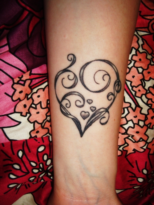 Cool Heart Tattoo On Wrist For Girls