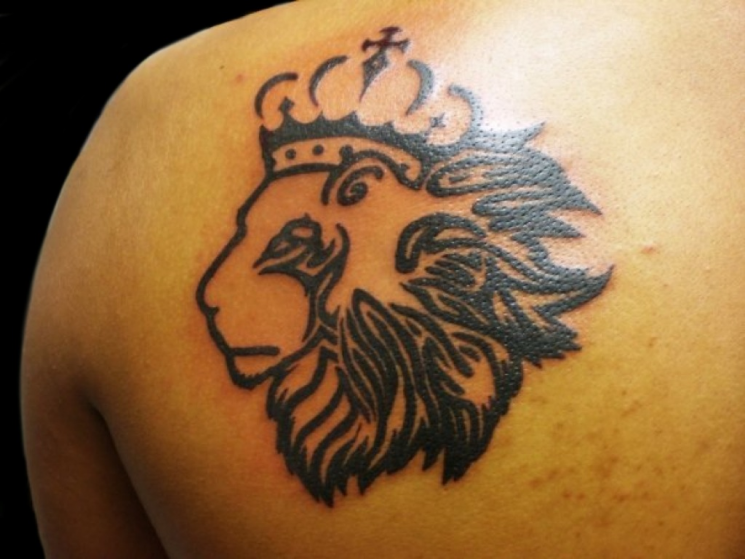 Crowned Lion Head Tattoo Design