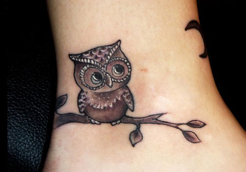 Cute Owls On Tree Tattoo On Thigh