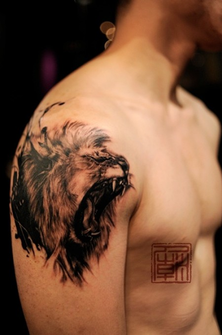 Fabulous Bear Tattoo On Shoulder