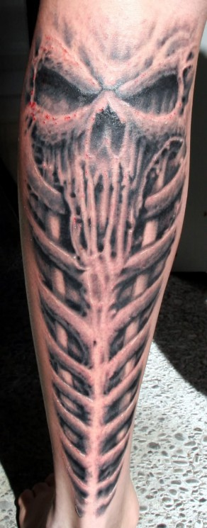 Giger Knee Tattoo Design