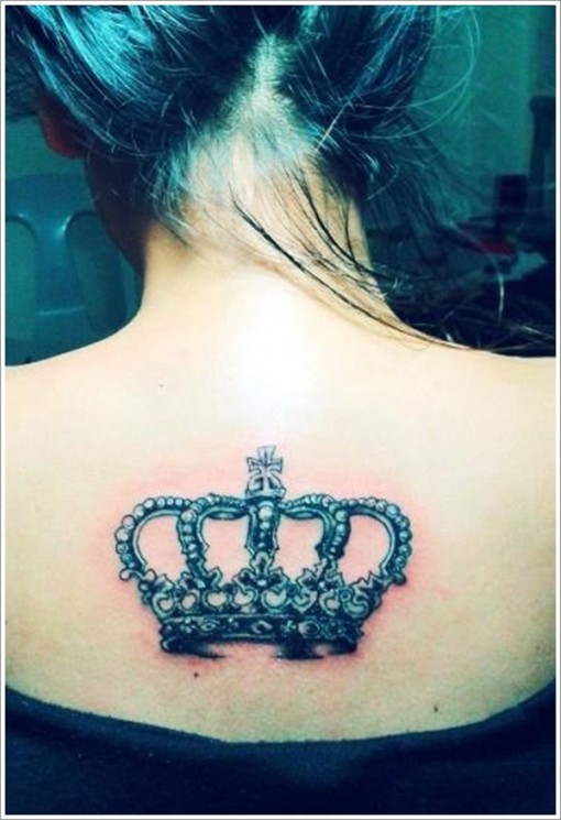 Gorgeous Queens Crown Tattoo On Upperback