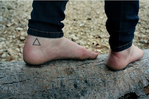 Gorgeous Triangle Tattoo On The Foot