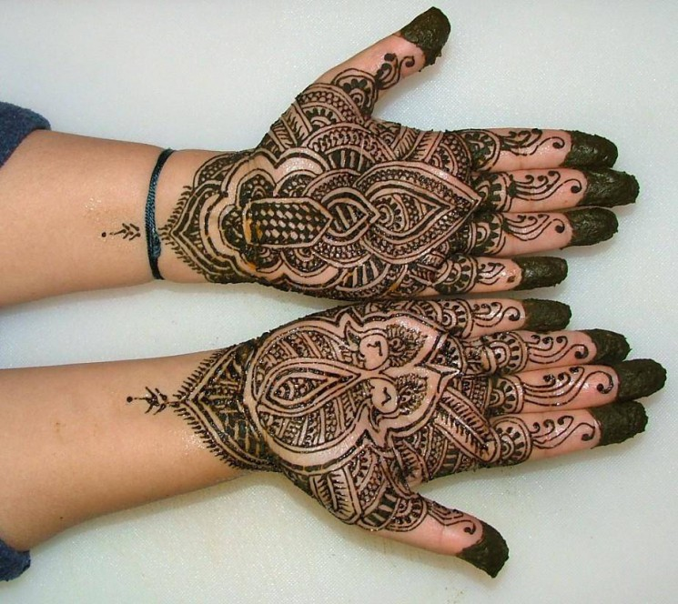 Latest Hand Tattoo For College Girls