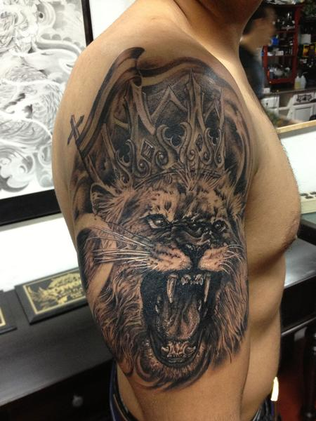 Lion King Crown Tattoo Design For Men