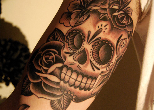 Mexican Skull And Roses Tattoo On Shoulder