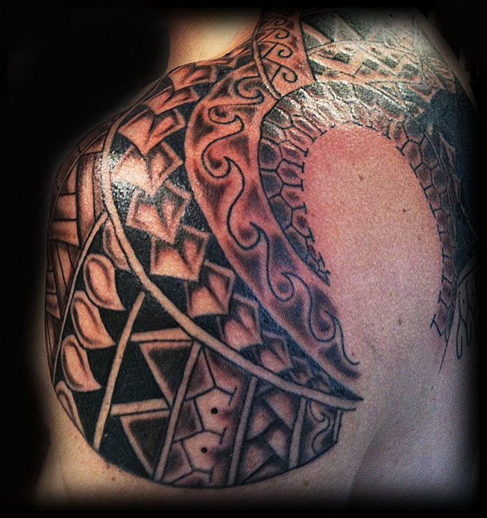 Polynesian Style Shoulder Tattoo