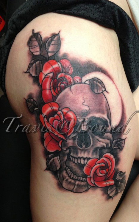 Red Roses With Skull Tattoos On Thigh