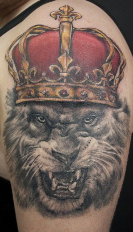 Roaring Bear And Crow Portrait Tattoos On Backbody