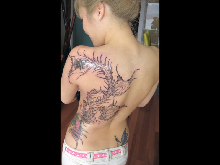 Sexy Girl With Tattoo Designs On Back