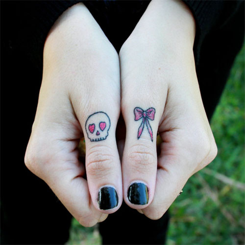 Simple Bow Ring Finger Tattoo