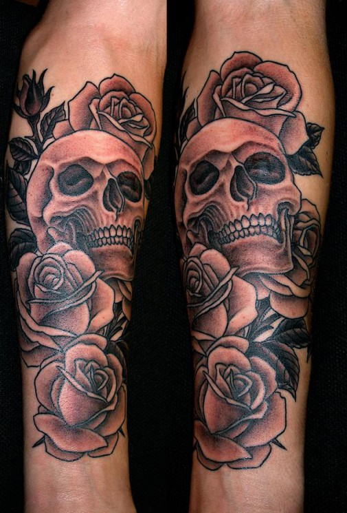Skull And Roses Tattoo Designs