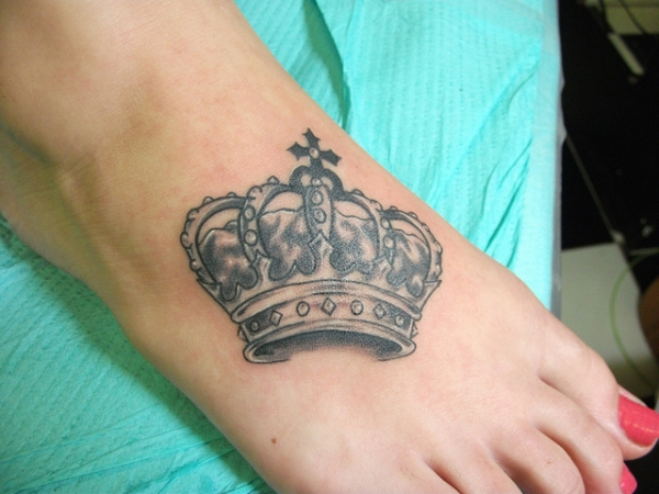 Small Crown Tattoo Designs For Girls