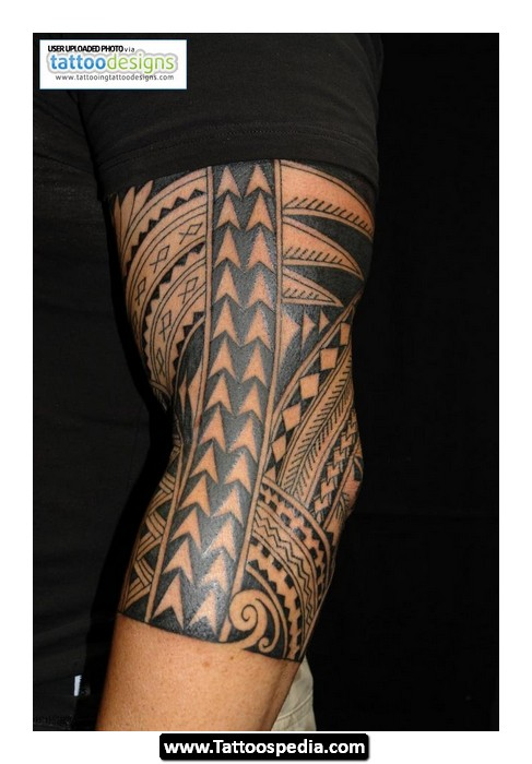 Special Black Polynesian Tattoo On Chest For Men
