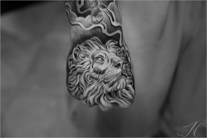 Superb Lion Tattoo On Hand