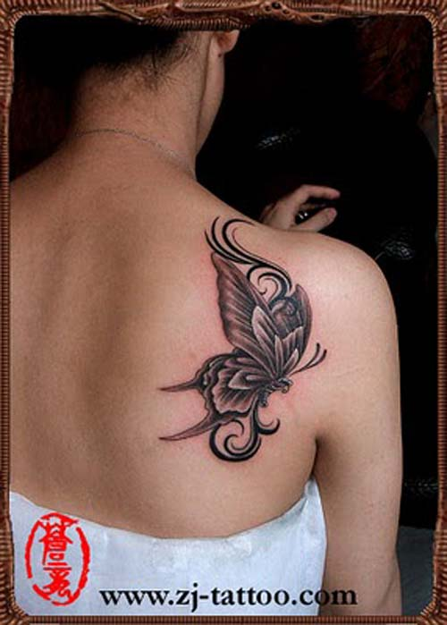 A Very Lovely 3D Butterfly Tattoo On Back Shoulder photo - 1