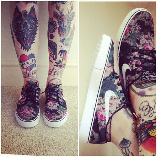 Awesome Leg Band Tattoo Design photo - 2
