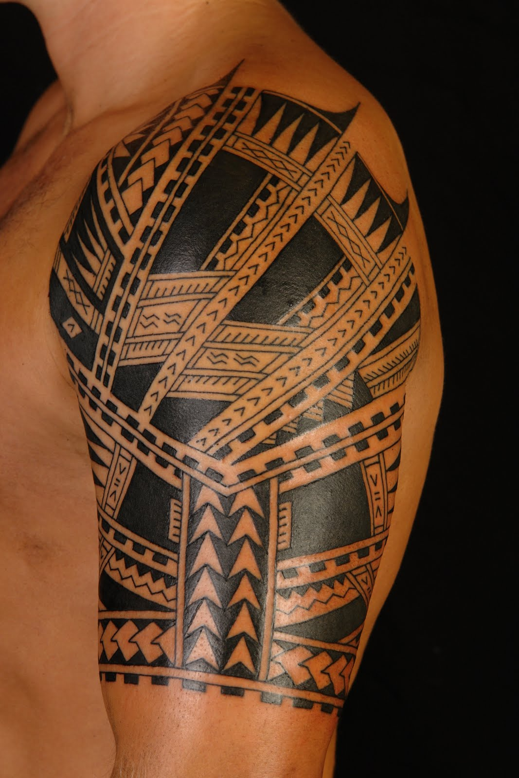 Awesome Tribal Polynesian Sleeve Tattoos photo - 2