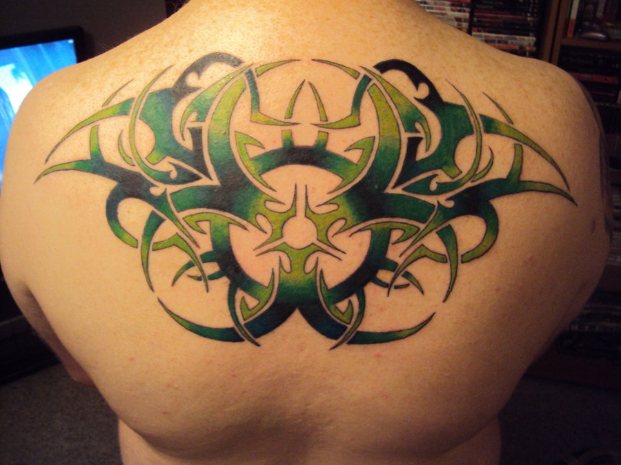 Biomechanical Tribal Tattoos On Back Shoulder For Men photo - 3
