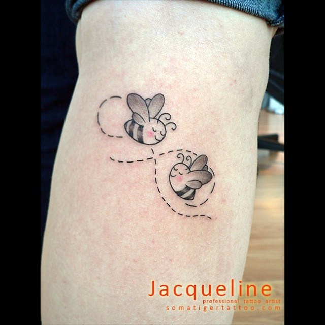 Bumble Bee Flying Tattoo Design photo - 1