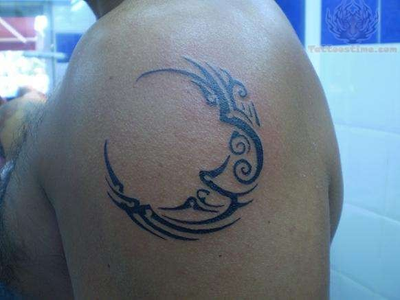 Celtic Style Moon Tattoo On Shoulder photo - 1
