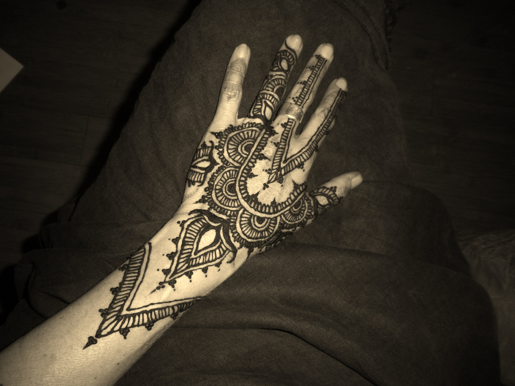 Fabulous Arabic Tattoo Design photo - 1
