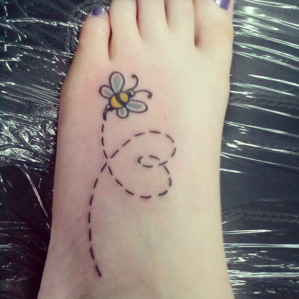 Flying Bee Tattoo On Foot photo - 1