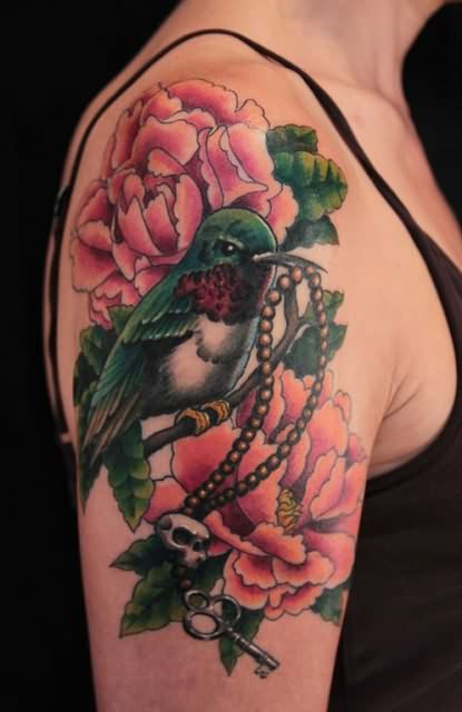 Gorgeous 3D Tattoos On Upper Arm photo - 3