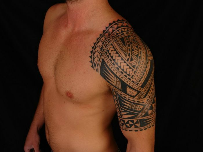 Hawaiian Tribal Tattoo On Shoulder photo - 1