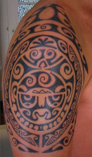 Hawaiian Tribal Tattoos On Waist photo - 1