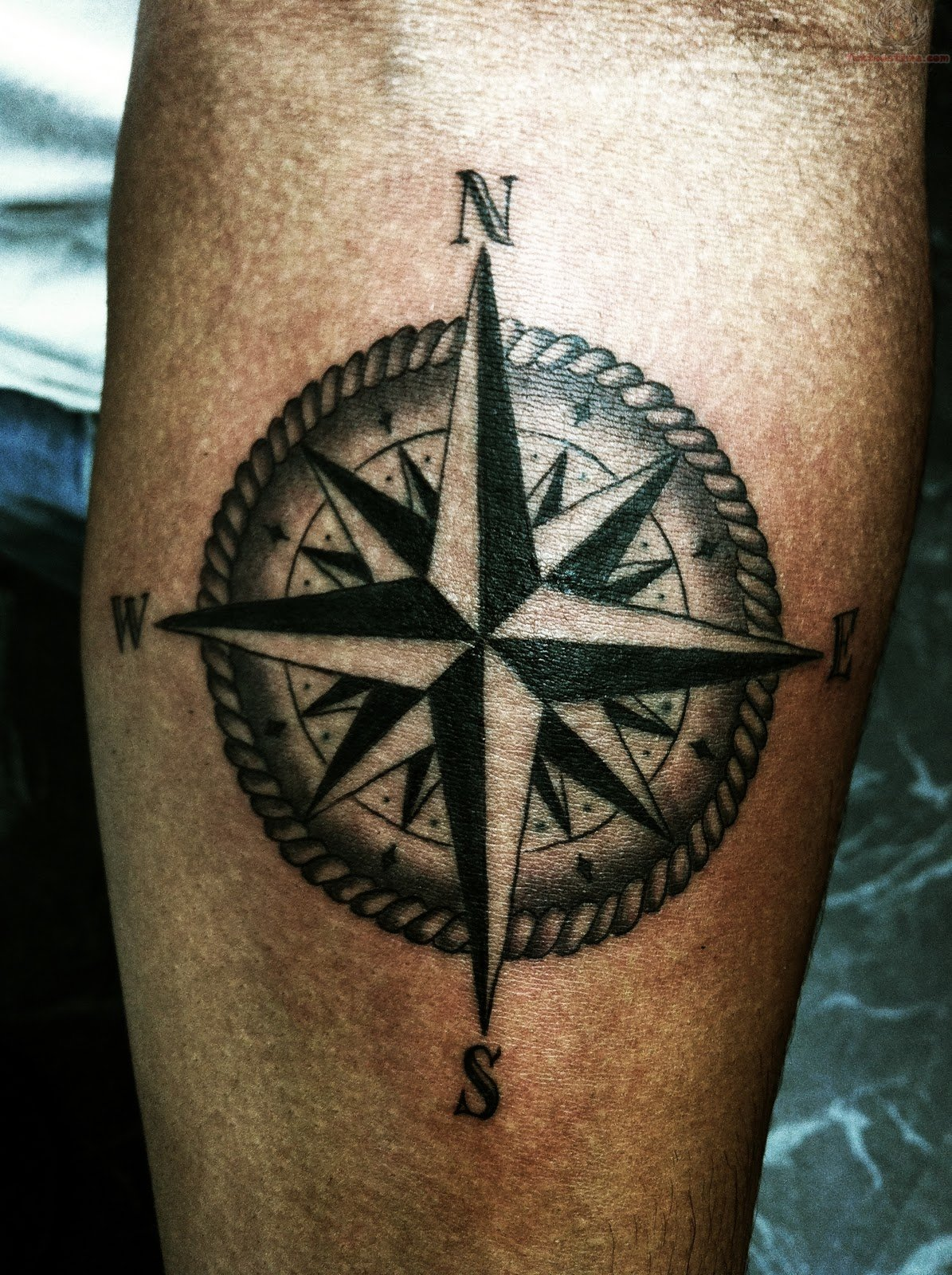 Lion And Compass Tattoo Design photo - 1