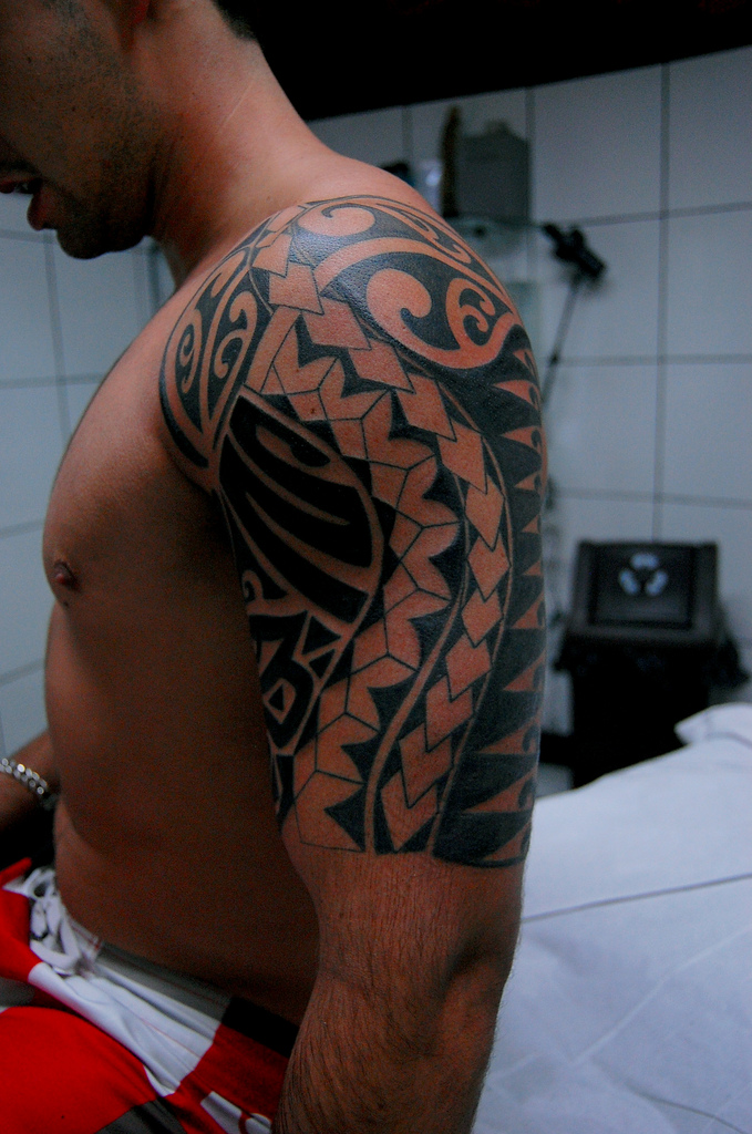 Maori Tribal Back Leg Tattoo photo - 2