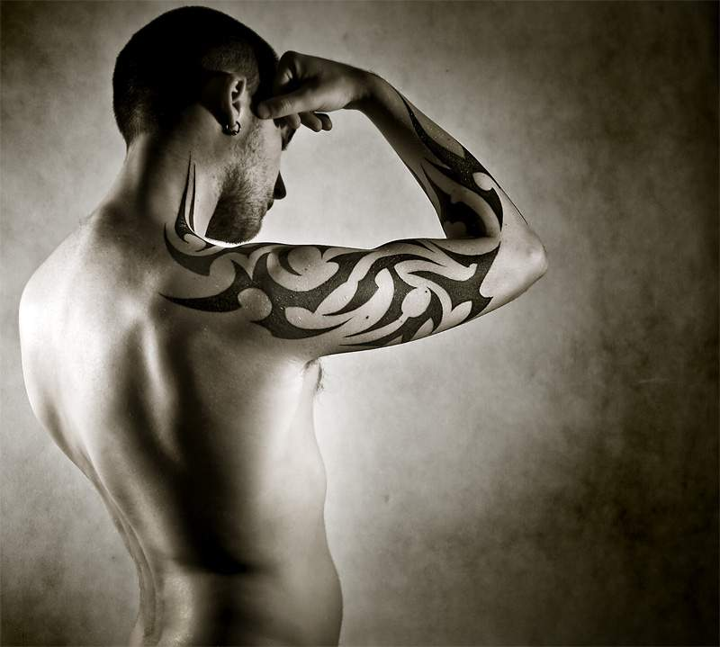 Tribal Celtic Tattoo On Biceps photo - 3