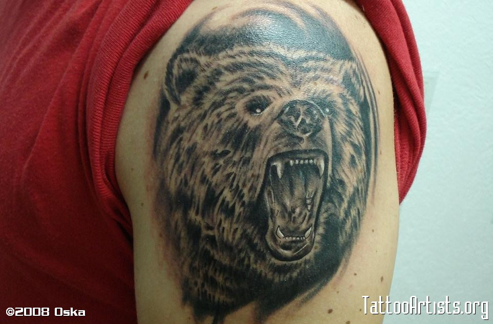 Tribal Crawling Bear Face Tattoo On Shoulder For Men photo - 1