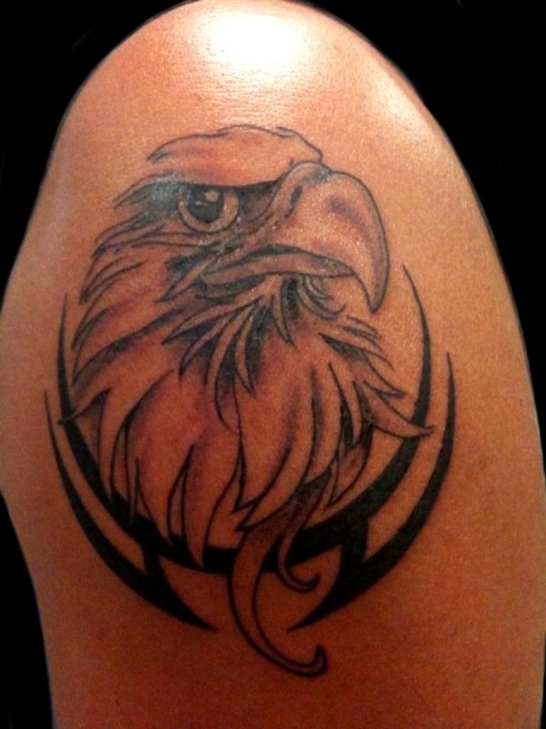 Tribal Eagle Head Tattoo On Shoulder photo - 3