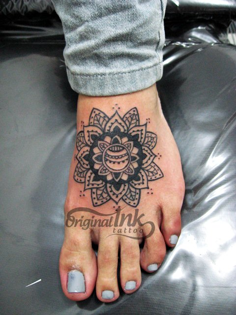Tribal Mandala Tattoo For Hand photo - 1