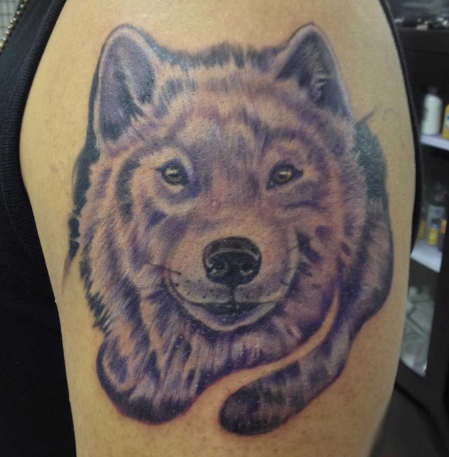 Tribal Wolf Howl At The Moon Tattoo Sample photo - 1