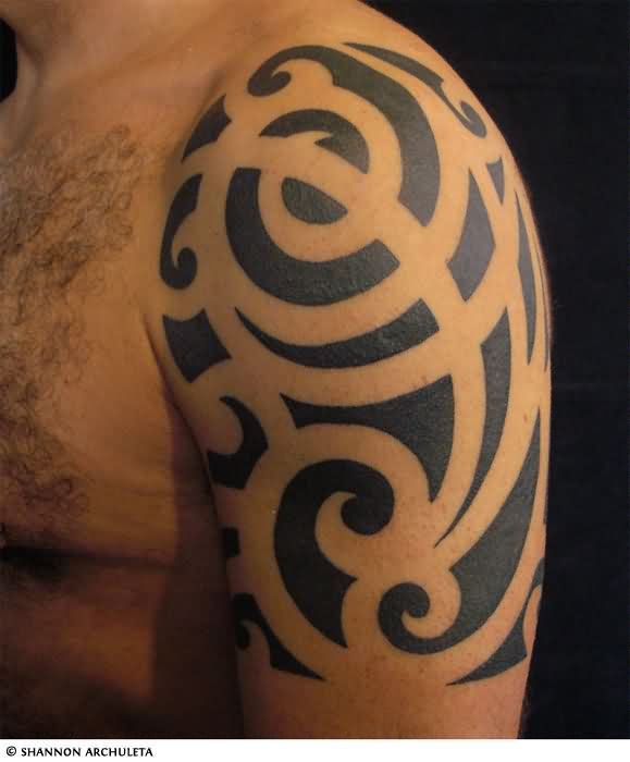 Upper Arm Black Ink Tribal Tattoo photo - 3