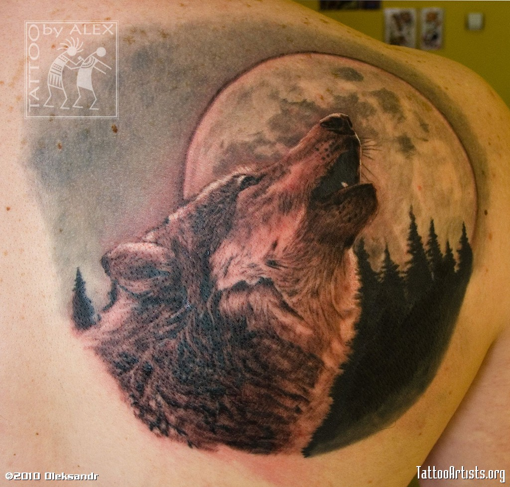Wolf And The Moon Tattoo On Shoulder photo - 2